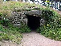 Entrance to Le Rocher dolmen